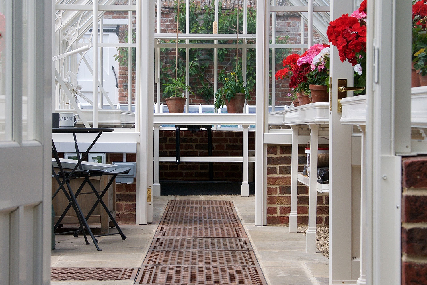 Floor grids (Alitex greenhouse accessories)