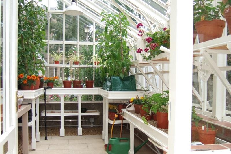 Full set of white greenhouse benching